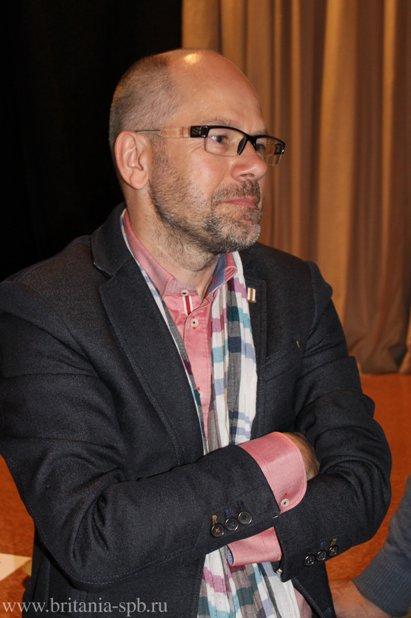 Grzegorz Spiewak Macmillan